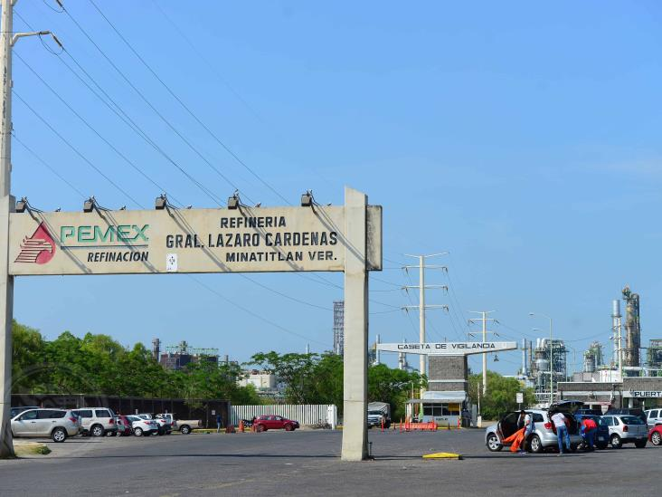 Rehabilitación de refinerías de Pemex desfasada por ocho meses
