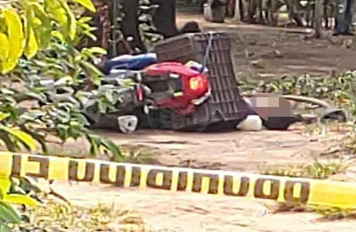 Asesinan a motociclista en ejido de Cosoleacaque