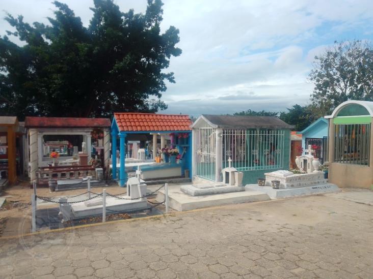 Blindan Panteón Hidalgo de Minatitlán para evitar visitas subrepticias