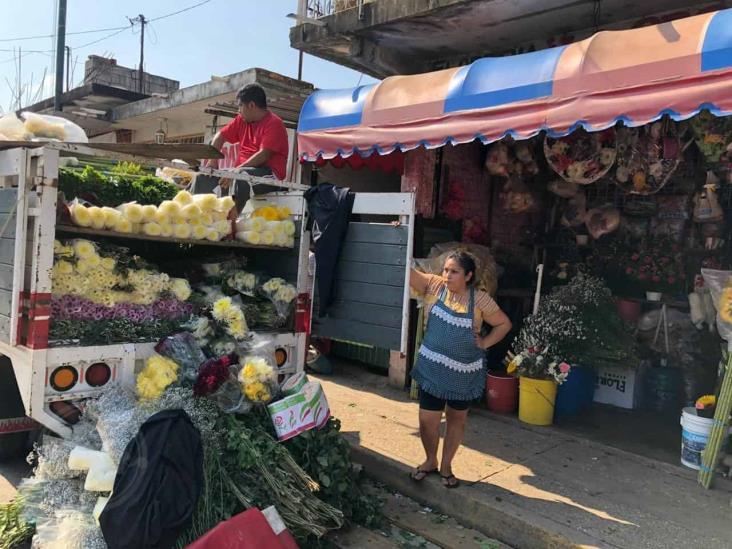 En Cosoleacaque, floristas invirtieron y no podrán vender su mercancía