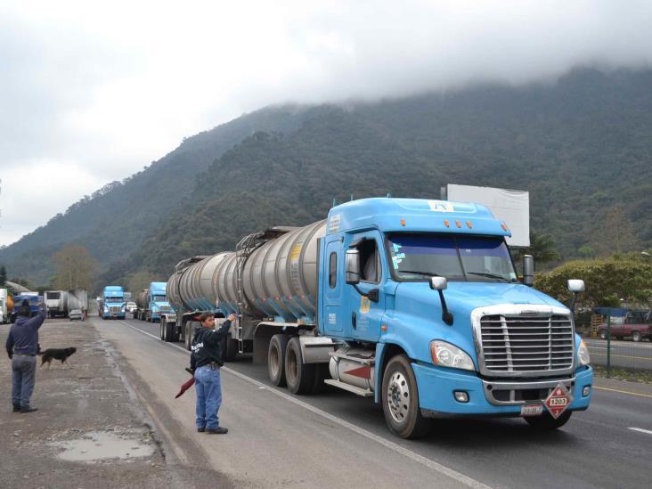 Transportistas en Orizaba piden apoyo de gobierno federal