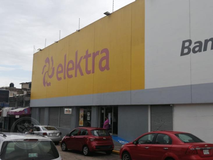 Sin acatar decreto tiendas de Grupo Elektra en Coatzacoalcos