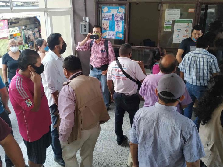 Ambulantes de Poza Rica inconformes por exentar de cierre a empresas