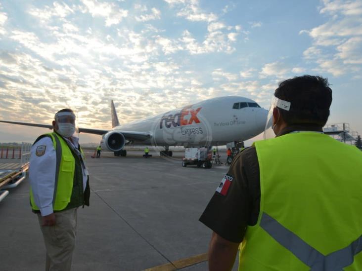 Arriba a México décimo avión con insumos médicos procedentes de China