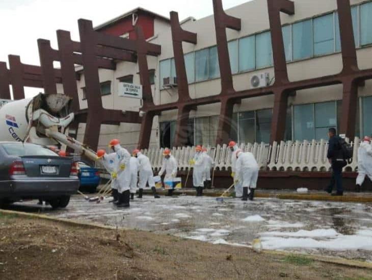 Realizan sanitización exterior en cuatro hospitales de Coatzacoalcos