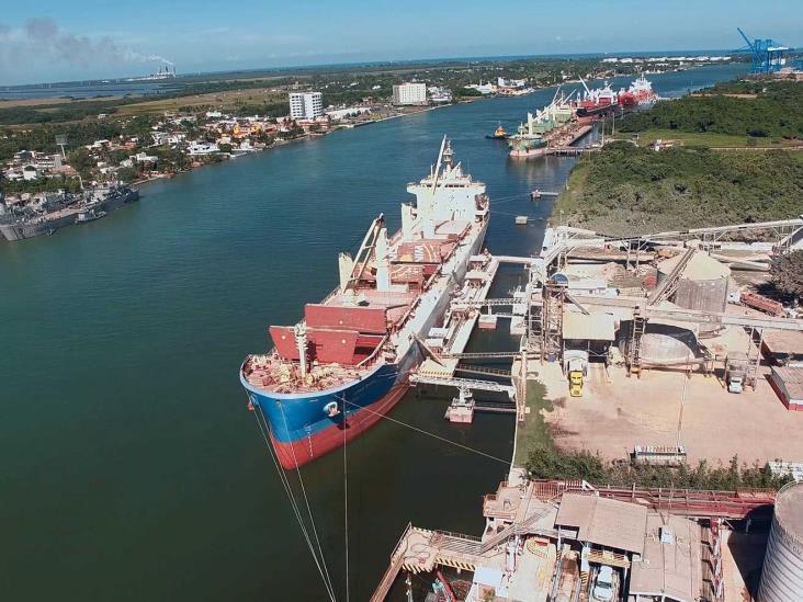 Denuncia UIF a ex administradores de aduanas de Tuxpan y Progreso