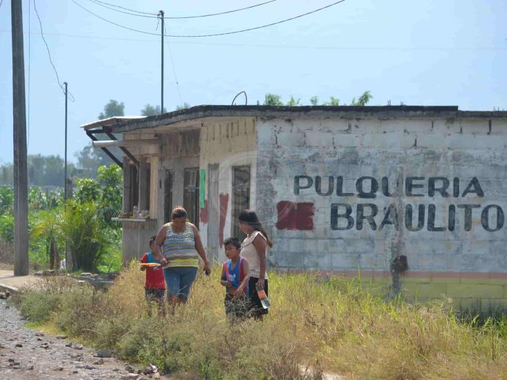 Cofepris indaga venta de alcohol adulterado en Veracruz