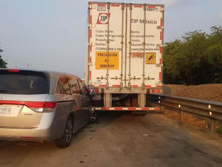 Chiapaneco sufre accidente en autopista La Tinaja-Cosoleacaque