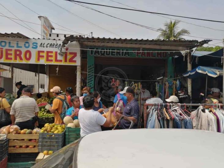Persiste aglomeración en la Francisco Villa pese a cierre de vialidades