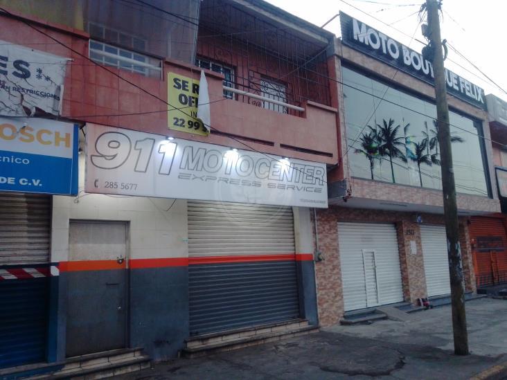 Trabajadores de Veracruz, roban mercancía de tres negocios