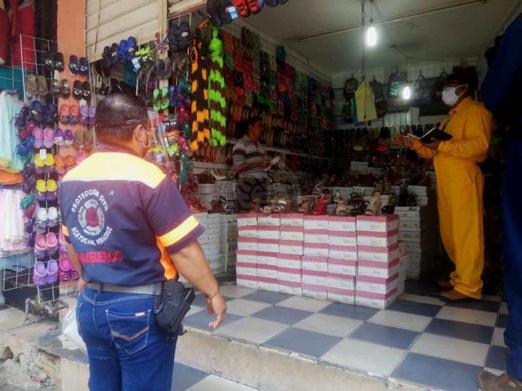 Clausuran 4 negocios más en Acayucan por ignorar sanidad