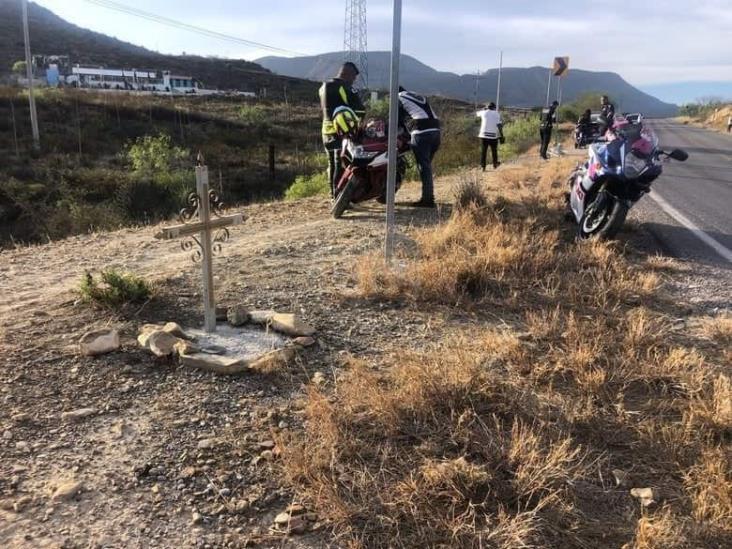 Joven acayaqueño muere en Coahuila al caer a barranco en moto