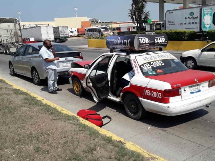 Se registra accidente automovilístico al norte de la ciudad de Veracruz