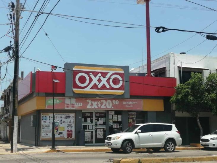 Con medidas sanitarias, siguen los asaltos a Oxxos en Coatzacoalcos
