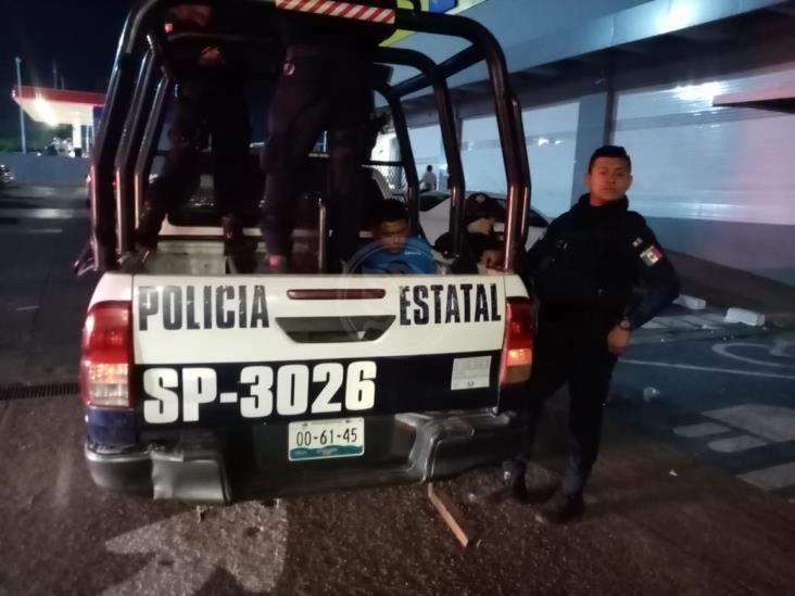 Capturan a ladrón en pleno atraco en centro comercial de Acayucan