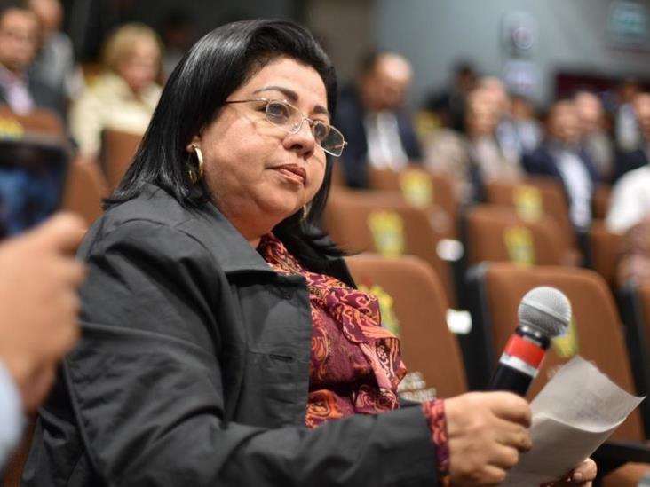 En Acayucan, presunto abuso de autoridad de la Policía Naval contra diputada
