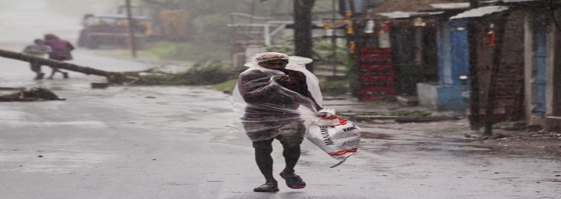 El ciclón más potente en 20 años toca tierra en el este de India