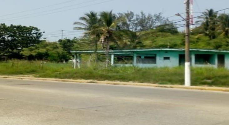 Más de 20 años en el abandono viviendas de Pemex en Nanchital