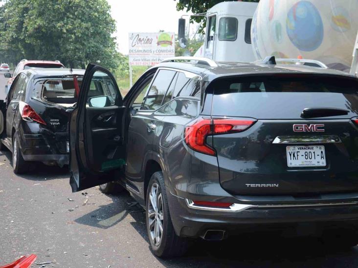 Se registra carambola en carretera federal Veracruz-Xalapa
