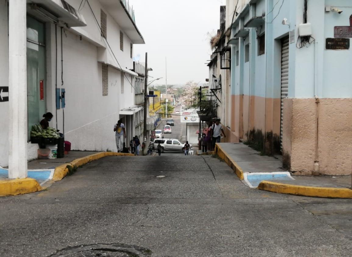 Altas temperaturas y sin electricidad en medio Minatitlán