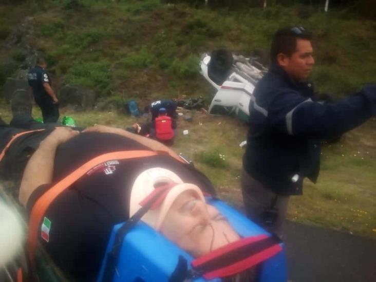 Se registra volcadura en libramiento Xalapa-Perote; deja tres personas lesionadas