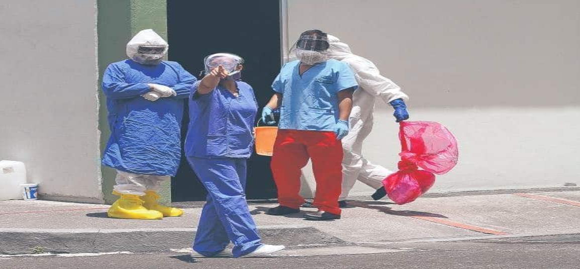 Médicos y enfermeras serán premiados como héroes de la patria