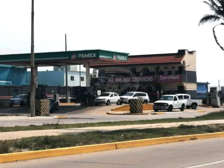 Empleados de gasolinera sufren asalto armado en Coatzacoalcos