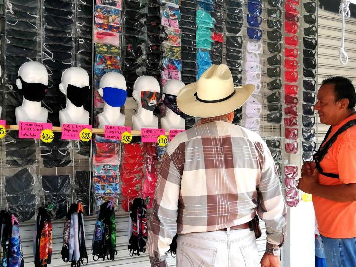 Cubrebocas se venden como pan caliente en Tuxpan