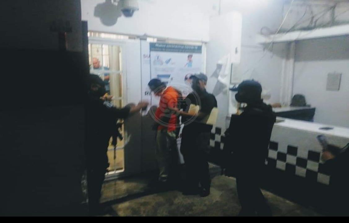 Dictan prisión preventiva a policía de Papantla por presunto secuestro