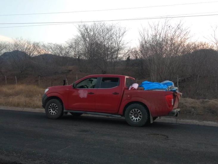 Abandonan camioneta con 12 cadáveres en Michoacán