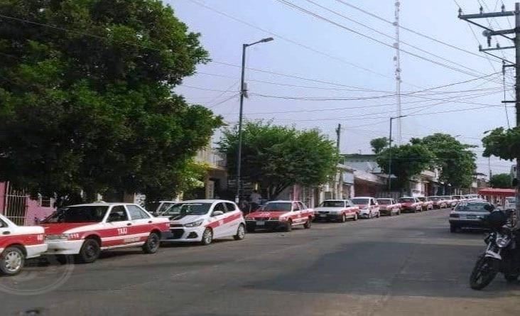 Choferes y concesionarios taxista esperan el apoyo del gobierno del Estado