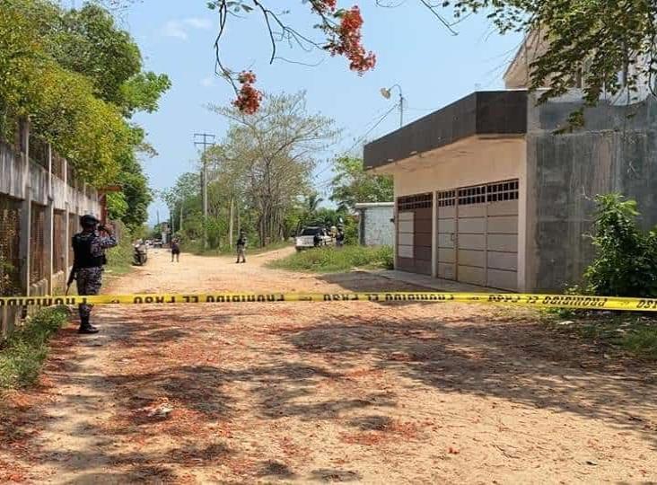 Atacan a balazos vivienda de empleado de CFE en Acayucan