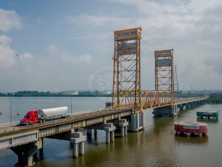 A 3 meses de mantenimiento, Puente Coatza I presenta daños