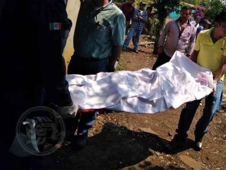 Joven se suicida en casa de su novia en Hueyapan