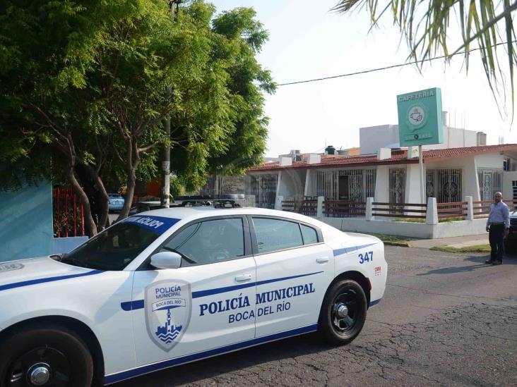 Se registra un corto circuito en negocio ubicado en calles de Veracruz