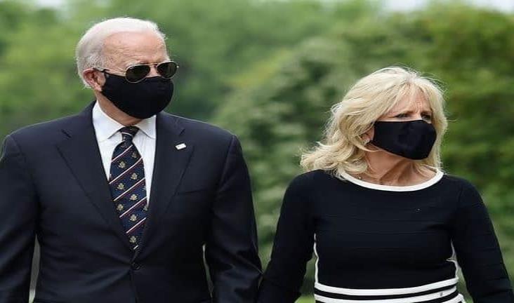 Biden aparece en público por primera vez en más de dos meses