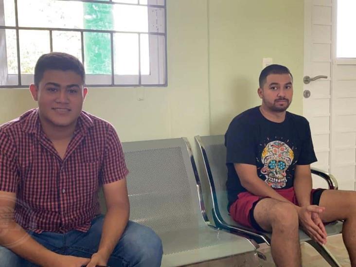 Varados en Coatza; desean regresar a El Salvador para pasar cuarentena