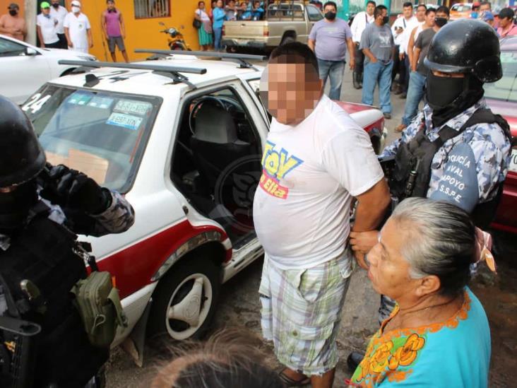 Casi linchan a acayuqueño por presuntamente robar 5 mil pesos