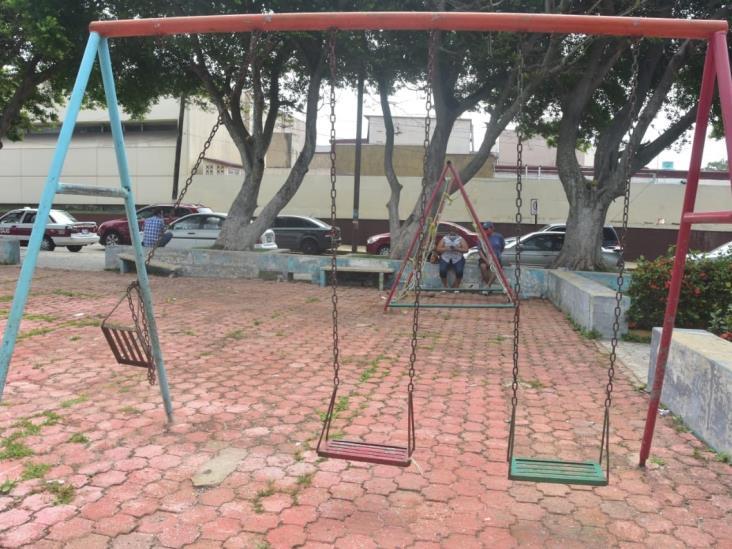 Piden sanitizar espacios públicos que rodean al IMSS 36 de Coatza