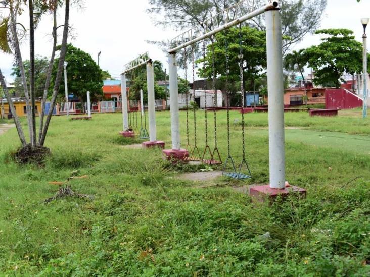 Ayuntamiento rehabilitó 30 de 70 parques previstos en Coatzacoalcos
