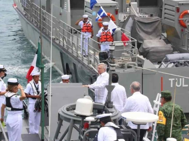 Conmemora AMLO Día de la Marina en Isla Mujeres