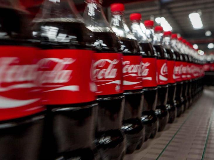 Coca-Cola promete bajar calorías en bebidas y apoyar a comercios