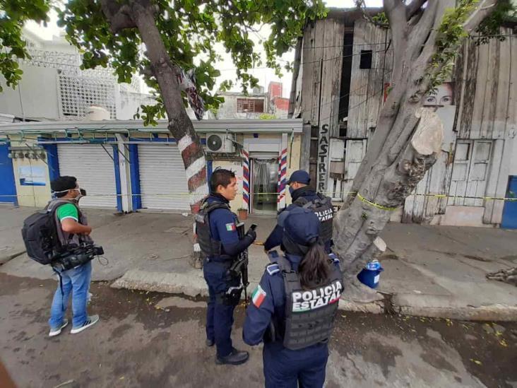 Hallan a hombre sin vida al interior de su vivienda en centro de Veracruz