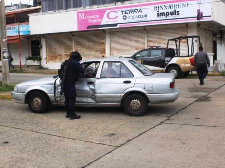 Patrulla del IPAX choca contra vehículo particular en Coatzacoalcos