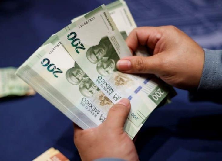 Peso mexicano obtiene su mejor nivel en dos meses y medio