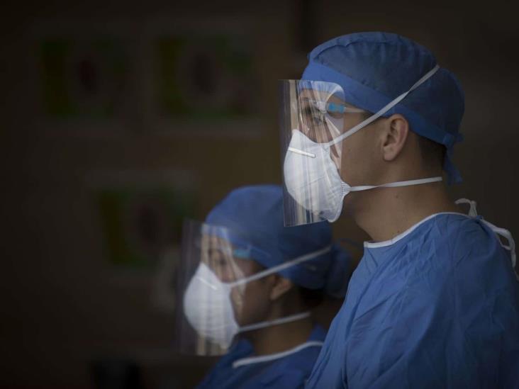 Activos, 116 casos de COVID-19 en personal de salud en Veracruz