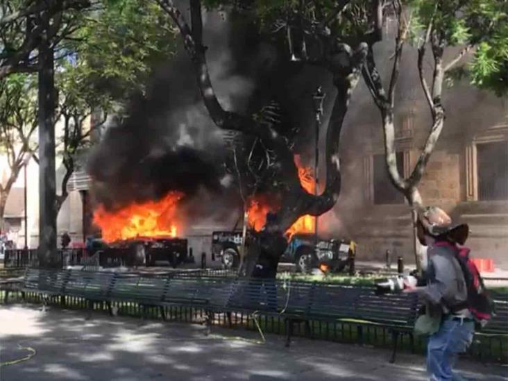 Queman patrullas y vandalizan Palacio de Gobierno de Jalisco por muerte de Giovanni