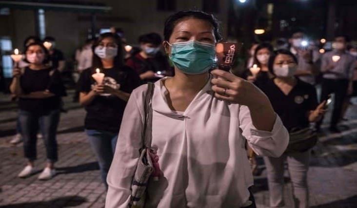 Miles desafían la prohibición de la vigilia de Tiananmen en Hong Kong