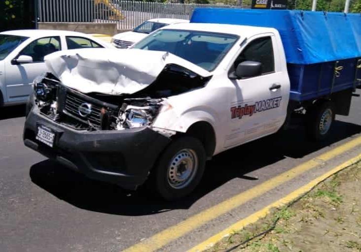 Se registra accidente sobre carretera Veracruz-Xalapa; deja solo daños materiales