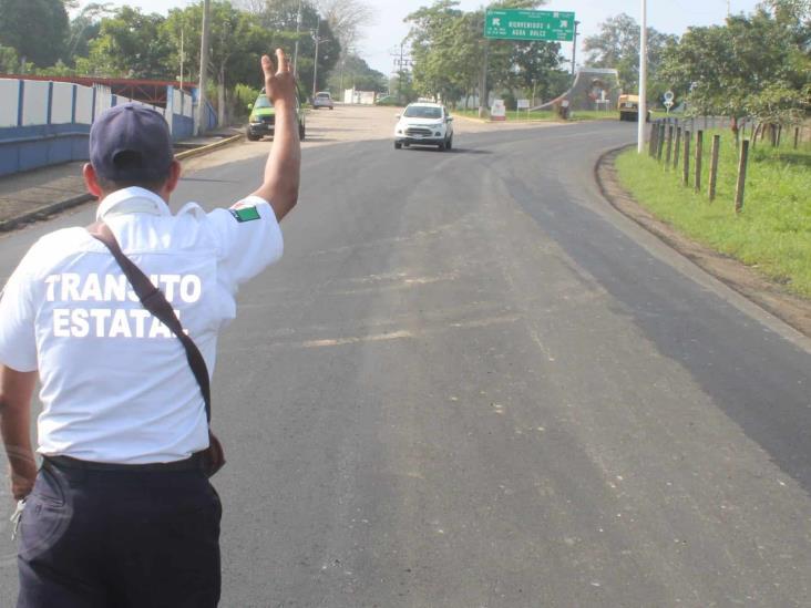 Taxistas de Agua Dulce denuncian abusos de delegado de tránsito